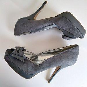 Gray Bow Peep Toe Faux Suede High Heels Sz 10